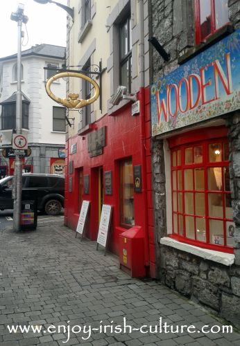Gold Claddagh Ring: Dillon's jewellers on Quay Street,Galway