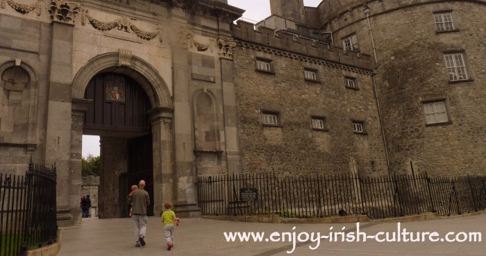 The main gate of Kilkenny Castle, Ireland.