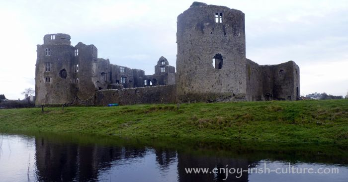A flooded dip in the landscape in front of the castle at Roscommon town gives the impression of a moat.