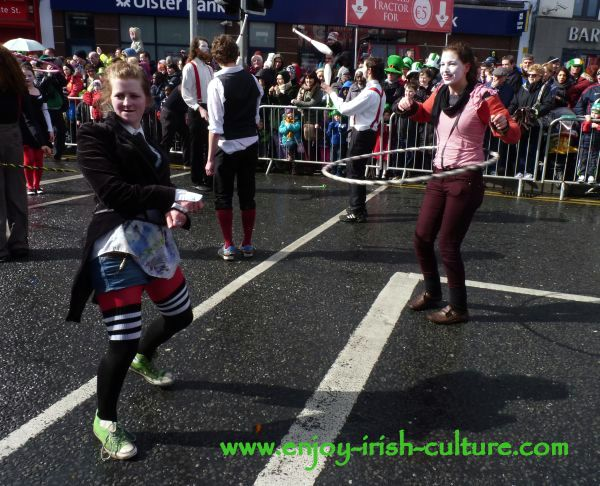 St Paddy's Day in Galway, Galway Community Circus performers