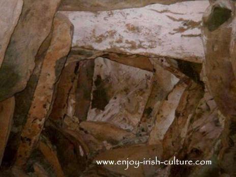 Bru Na Boinne, corballed ceiling at Newgrange