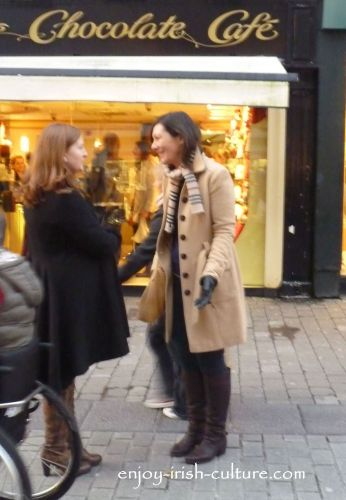 Irish customs, the chat in the street