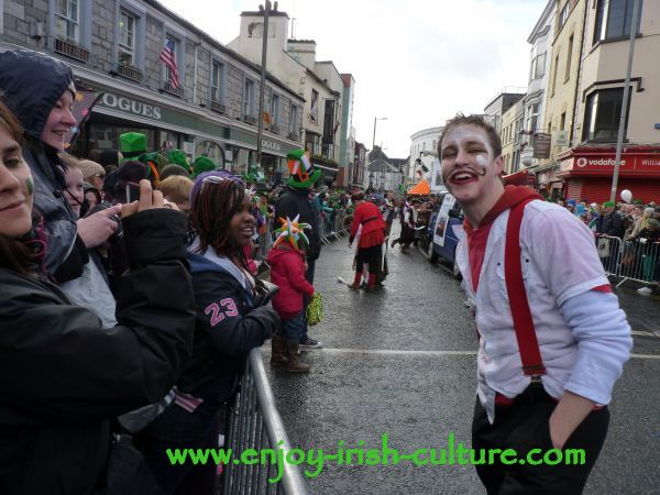 St Paddy's Day in Galway, street performers